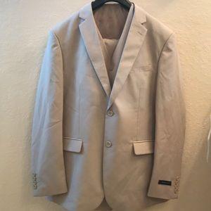 Braveman Beige 3-piece Suit Men's Size 42R/36W